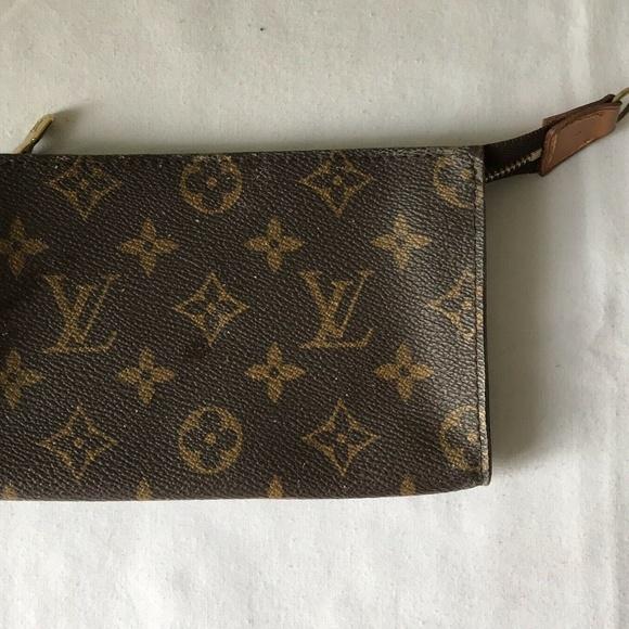 Louis Vuitton Handbags - LOUIS VUITTON Monogram Pouch